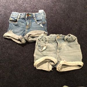 Gently used old navy jean shorts!